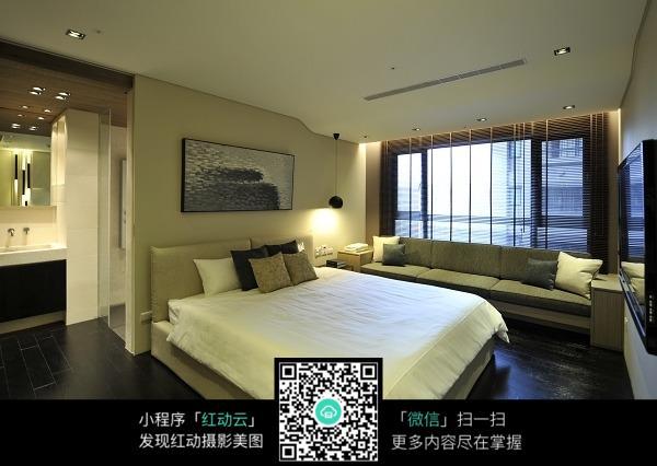 温馨杏色卧室室内装修效果图