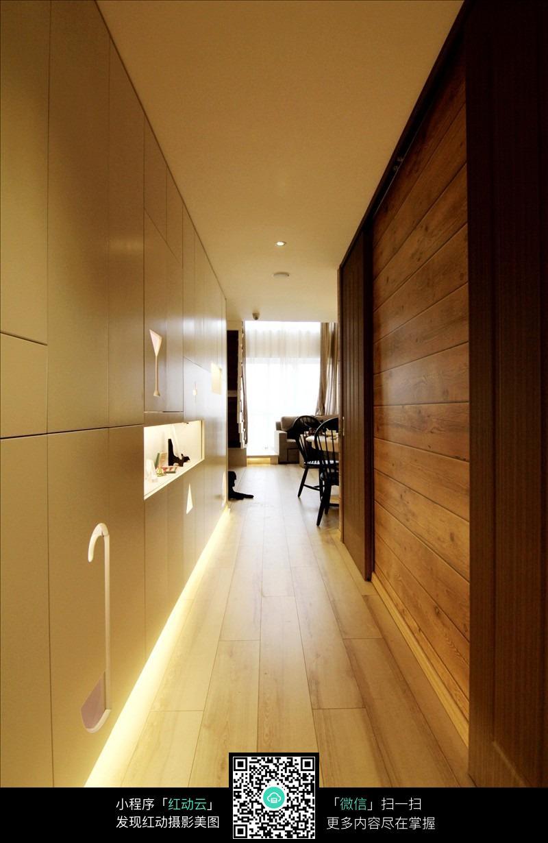 走廊 灯光效果 木地板效果