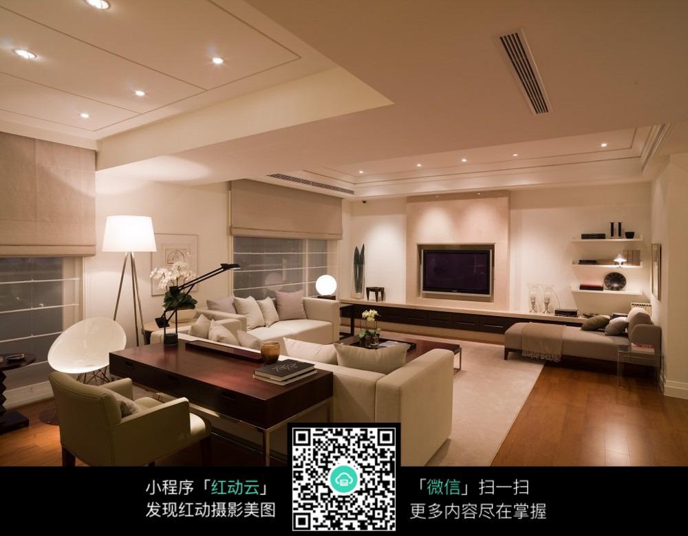 欧式现代风格的客厅_室内设计图片