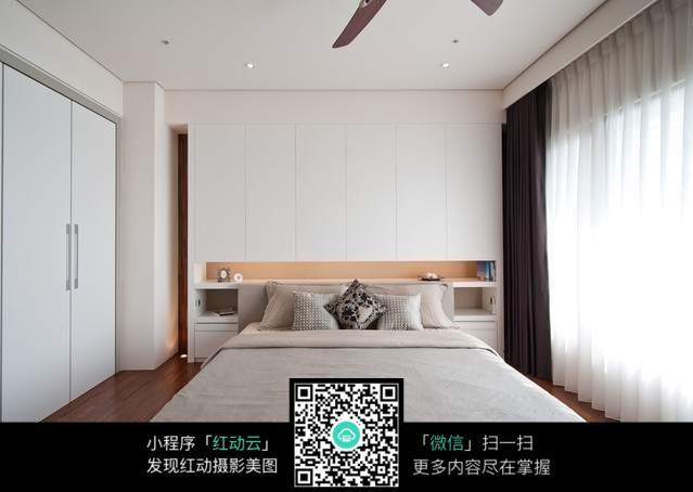 卧室简单装修效果图片