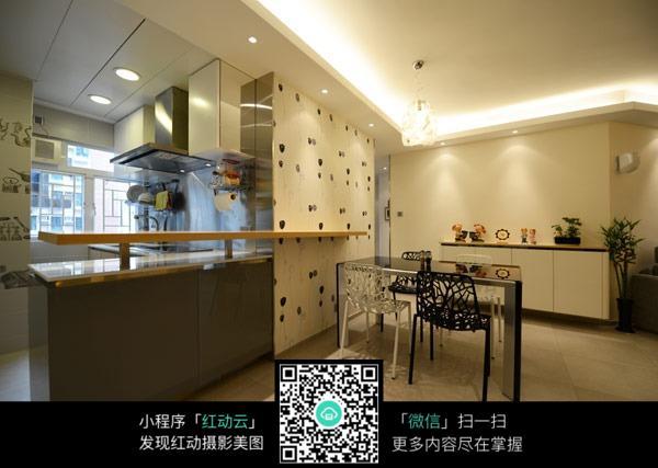 厨房和餐厅精致装修效果图