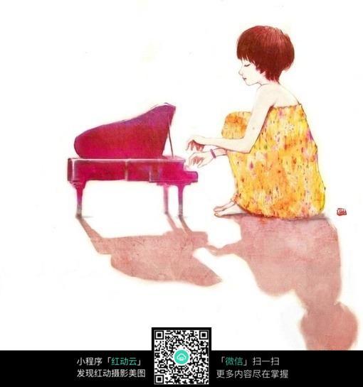 弹钢琴的短发女孩图片