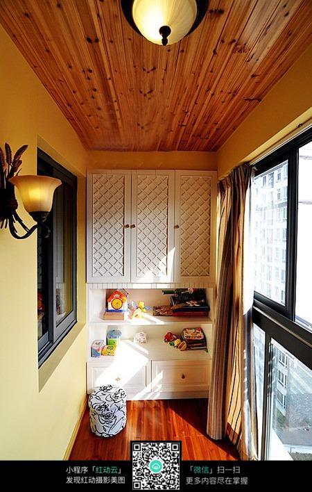封闭式阳台柜子设计素材