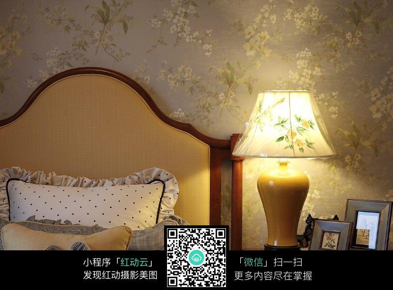 免费素材 图片素材 环境居住 室内设计 温馨台灯设计  请您分享: 红动