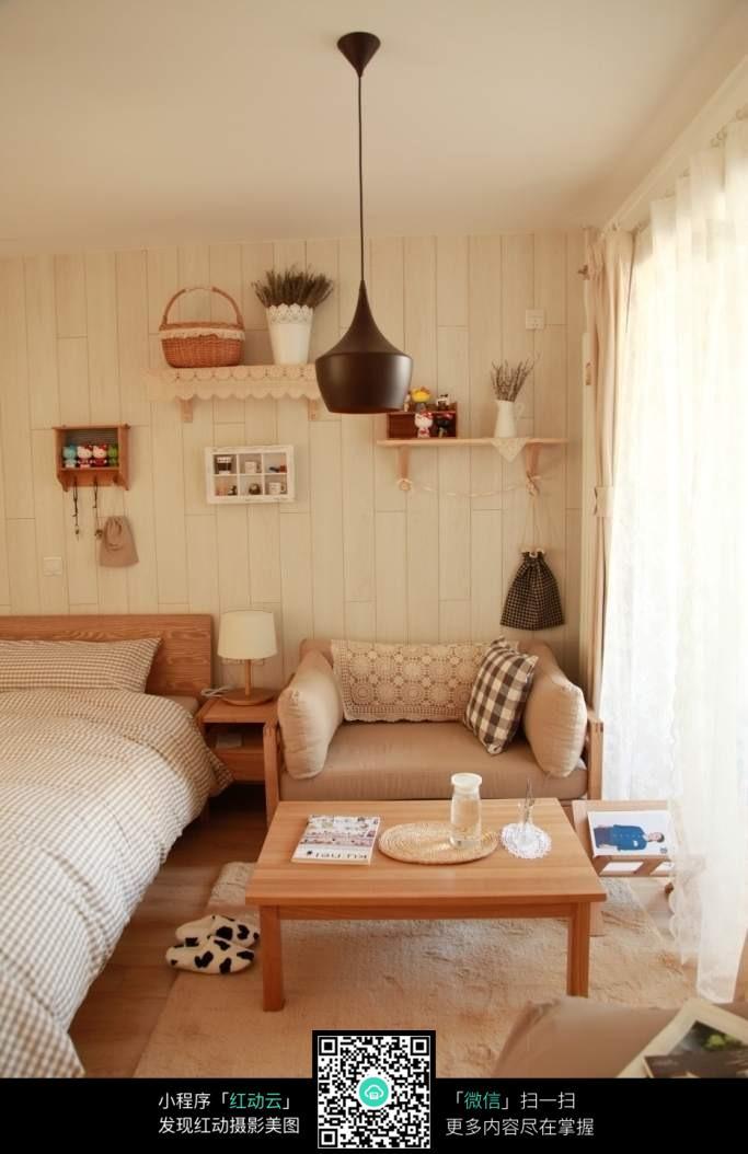 卧室床边沙发和茶几摆放图图片