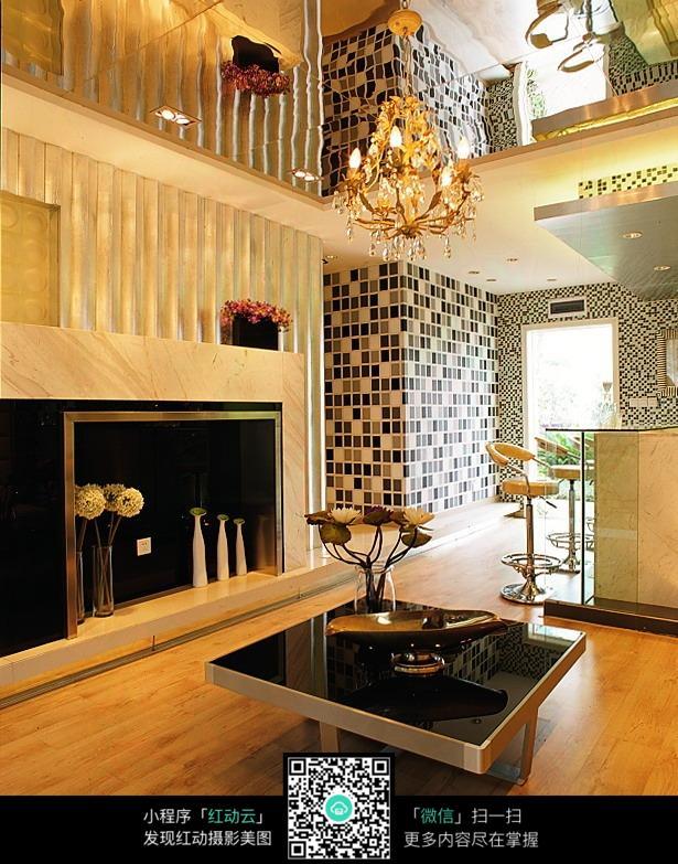 格子瓷砖墙面装饰效果图_室内设计图片