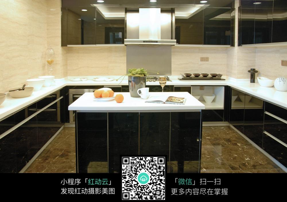 环形厨房装修效果图