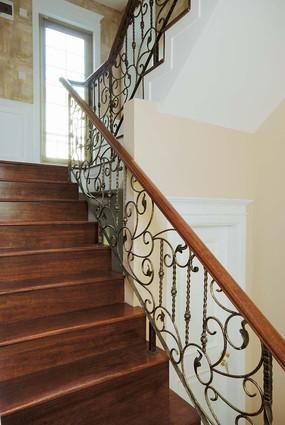 欧式花纹扶手楼梯