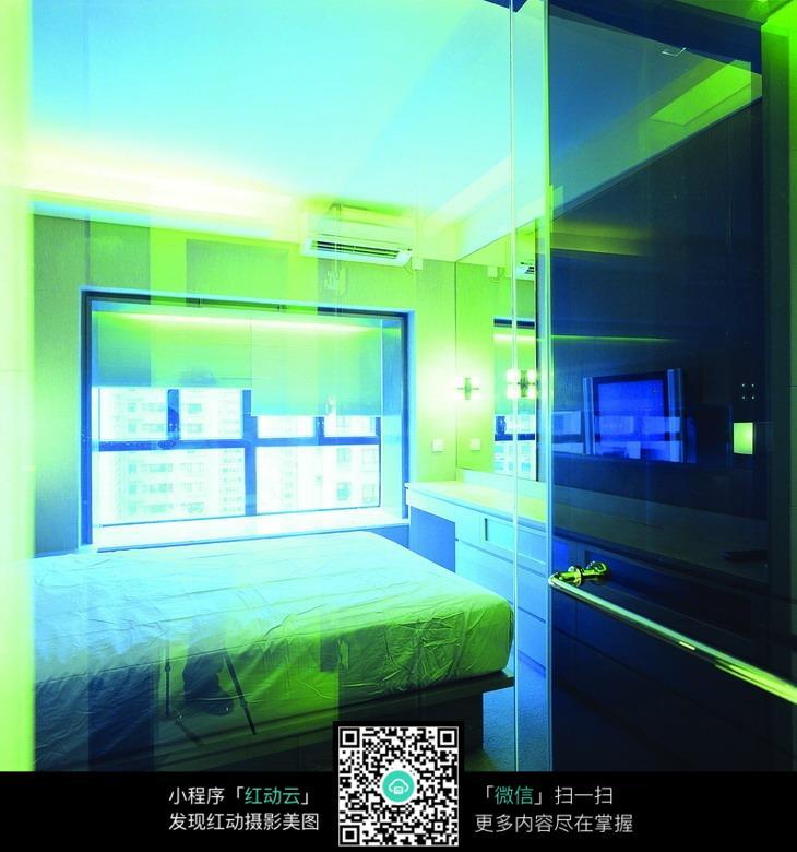 绿色科技感房间图片素材
