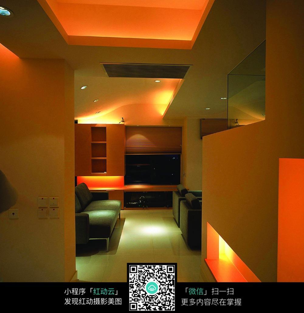 粉红色柔和灯光装修设计效果图图片