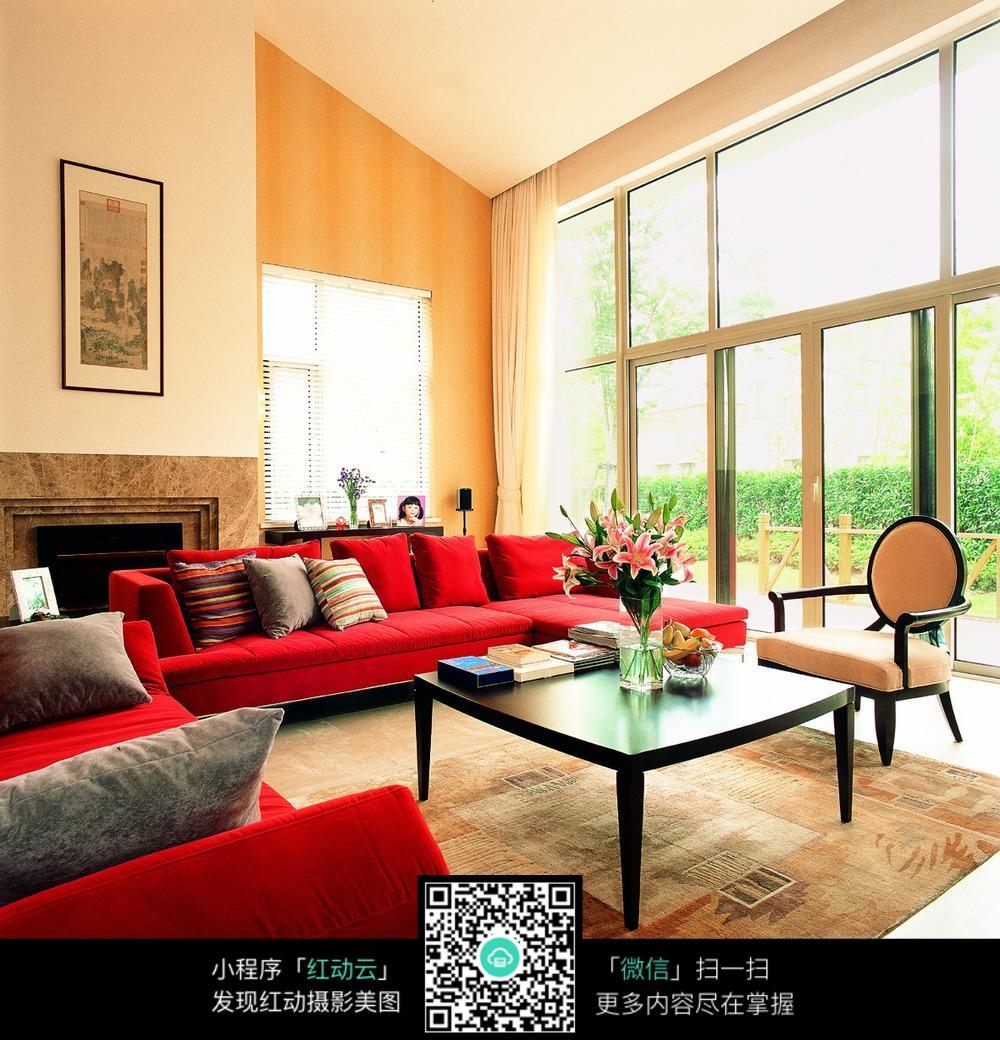 客厅红色沙发_室内设计图片
