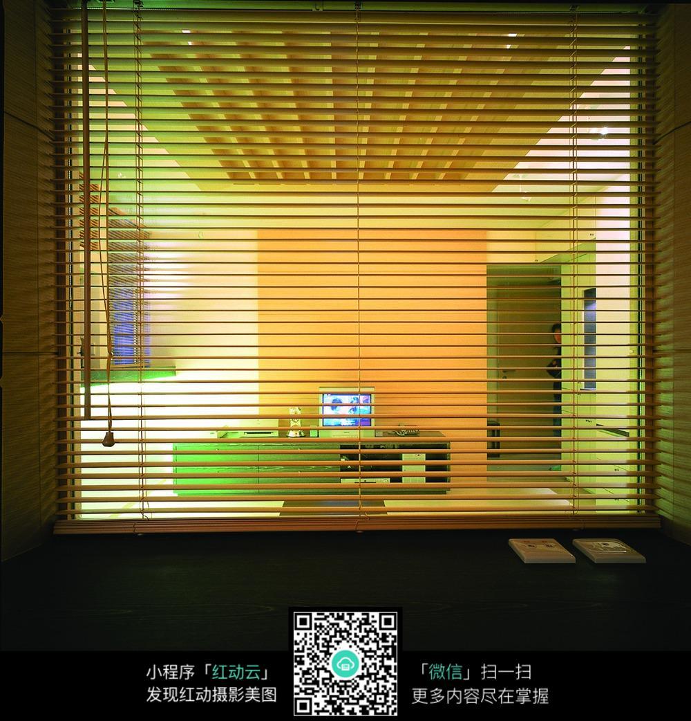 室内窗户百叶窗设计图片