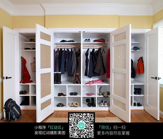 简单大方的衣柜设计图片
