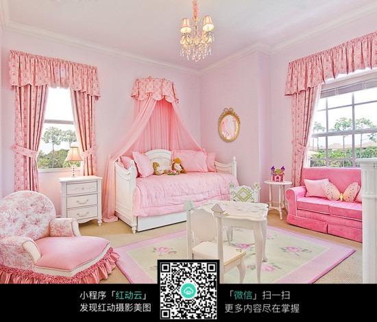 粉色儿童房间装饰图片