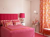 粉色温馨卧室装饰图片