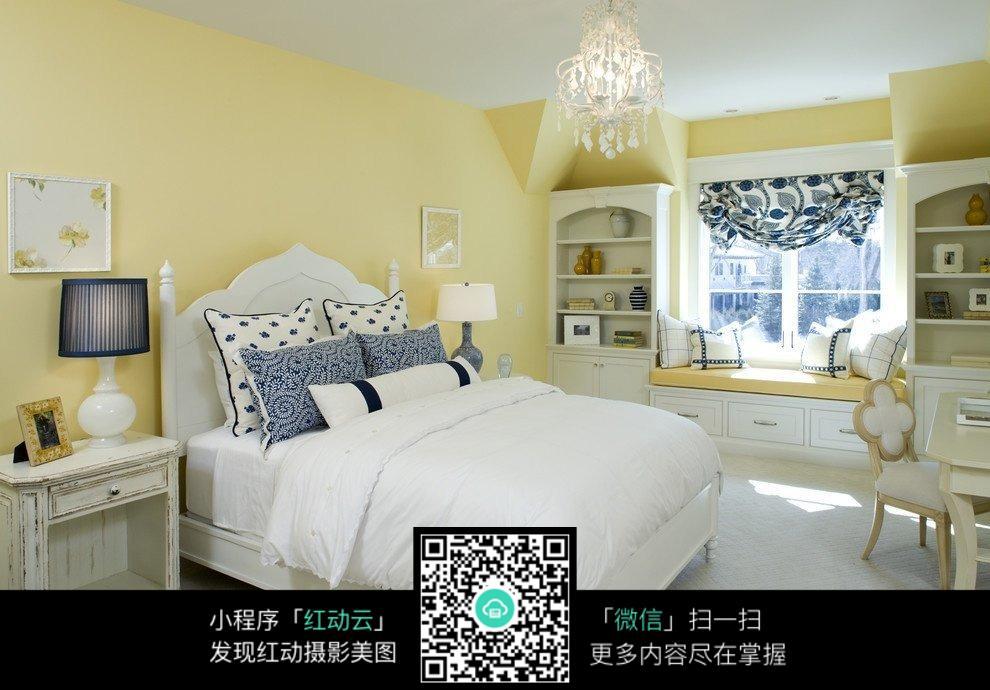 欧式精美的卧室装饰图片