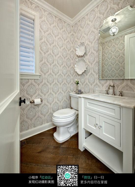 白色雕花欧式柜子图片