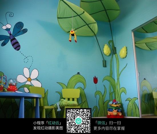儿童房植物墙绘