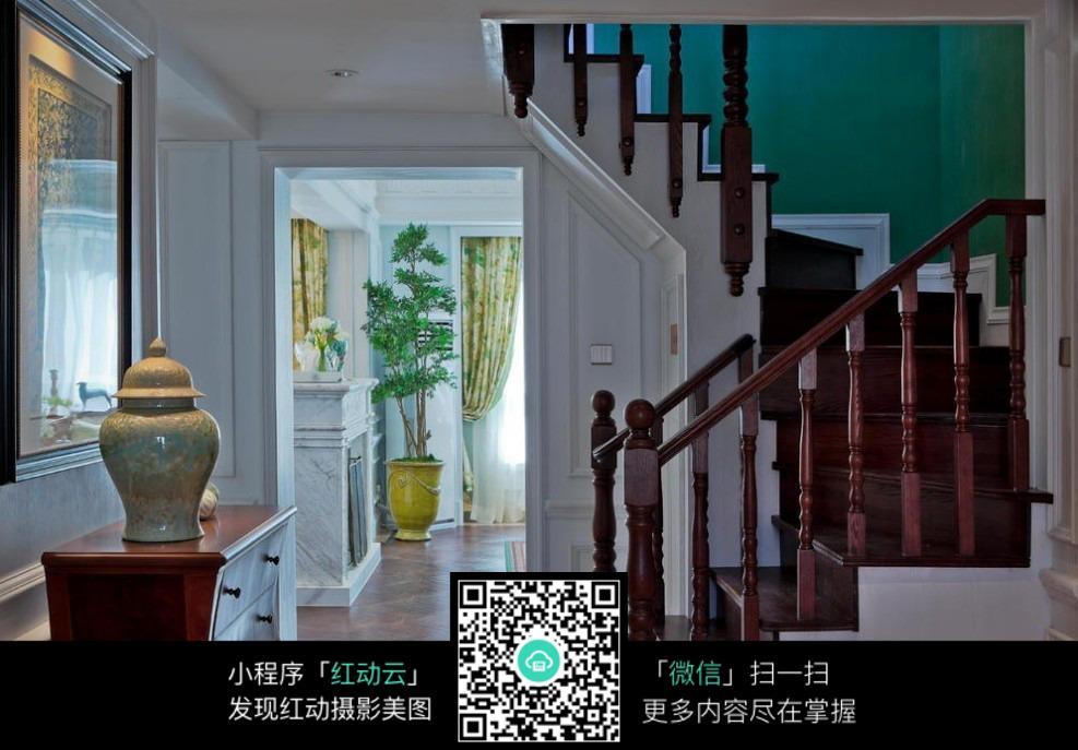 复古楼梯室内装修效果图