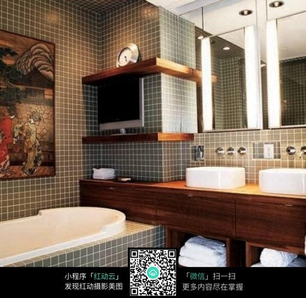 现代风格洗澡间装潢设计图片