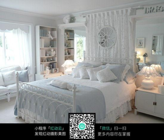 白色欧式卧室设计图片