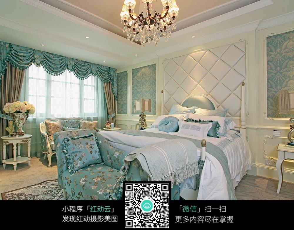 蓝色欧式高档卧室