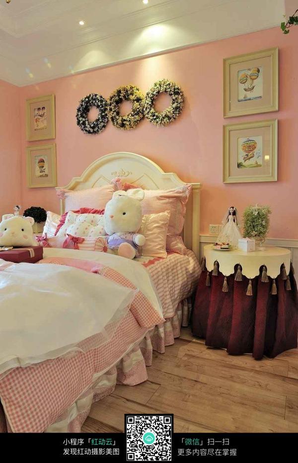 可爱温馨卧室装修效果图