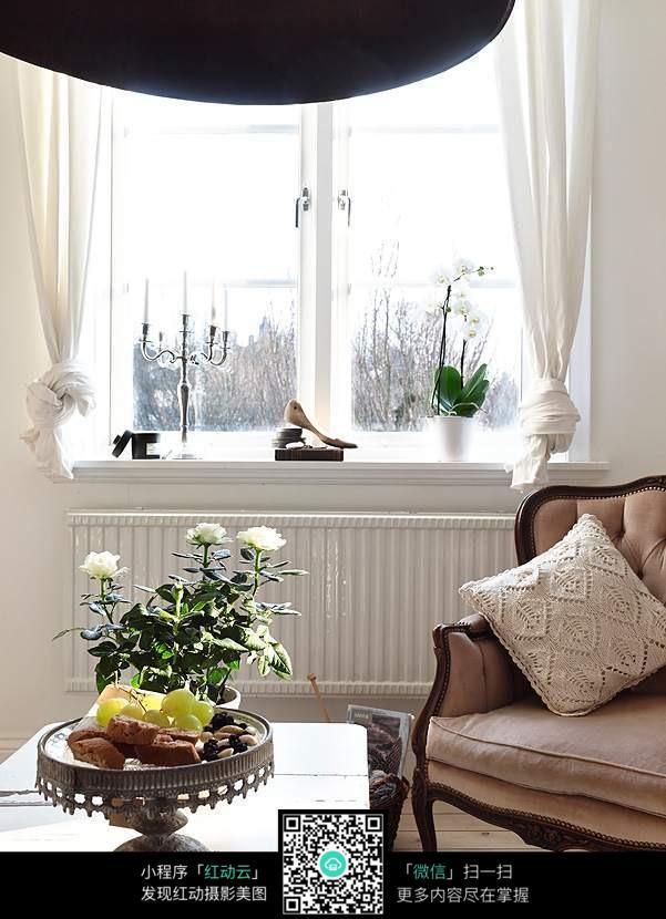 别墅窗台图片