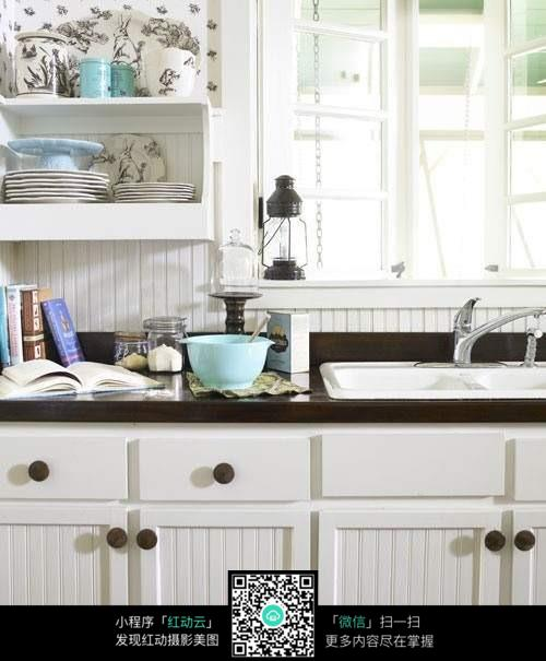 经典欧式的厨房设计图片