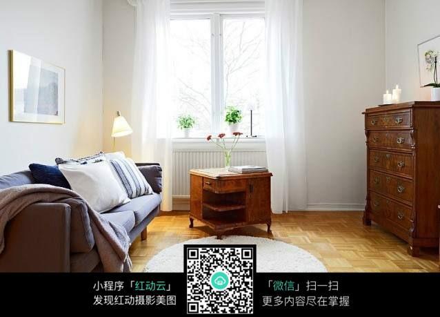 现代欧式家居客厅装潢图片