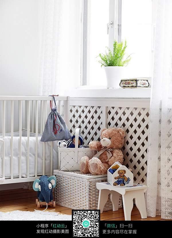 小清新简美的婴儿房设计