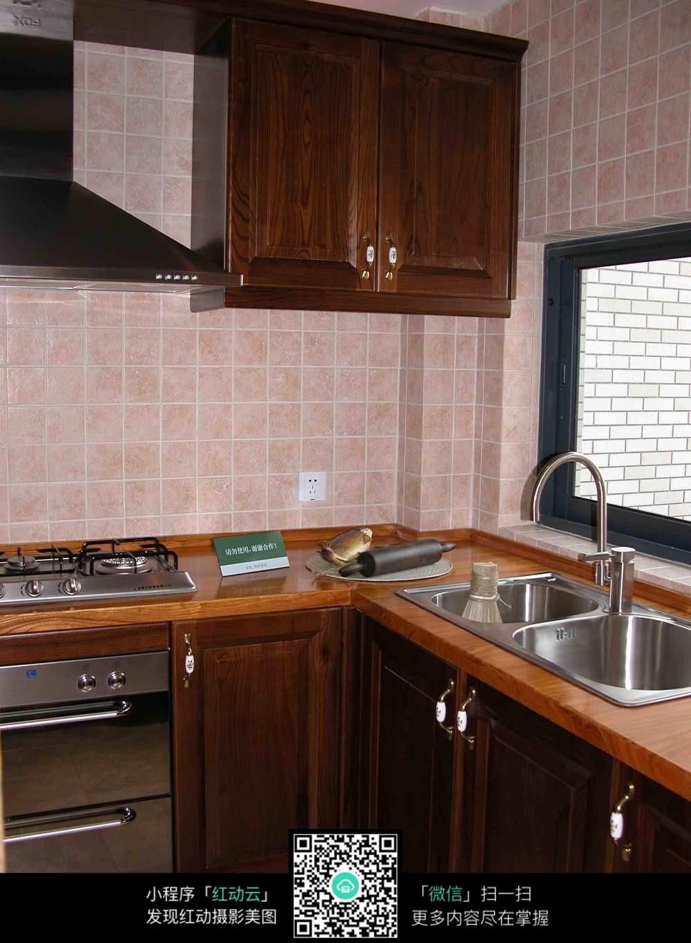 橱柜 厨房 家居 设计 装修 1000_1364 竖版 竖屏
