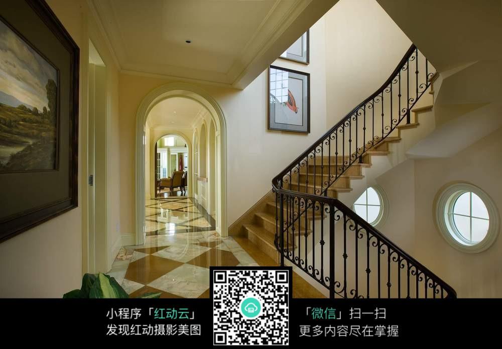 别墅楼梯过道装修效果