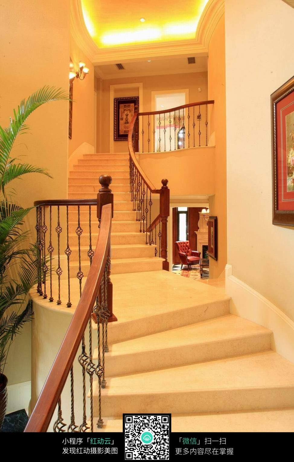 高档别墅楼梯设计图片