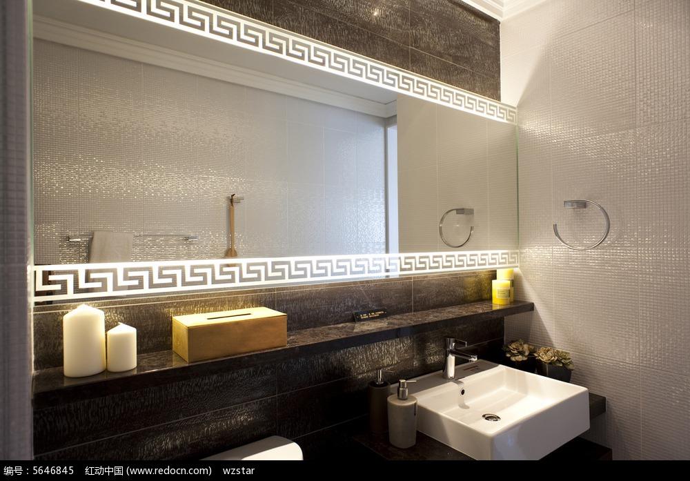 室内设计 室内装潢 洗漱台 水池 蜡烛 镜子 风格 复古 简约 装饰 华丽