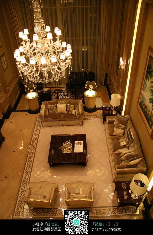 欧式别墅俯瞰客厅设计