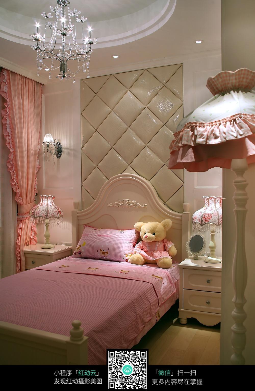 欧式粉嫩的公主房设计图片