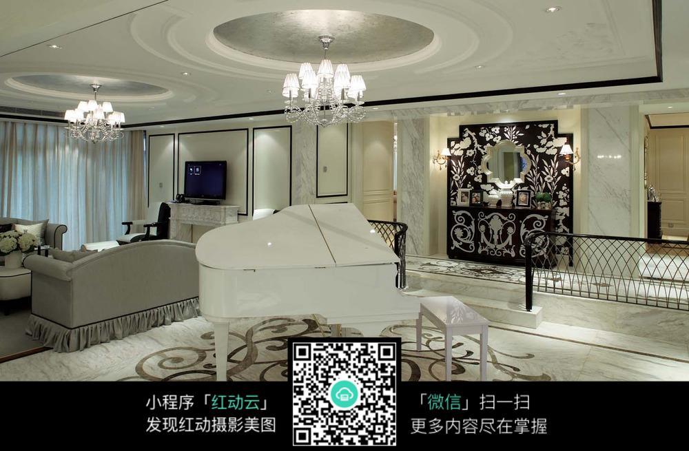 典雅白色钢琴室内装修效果图