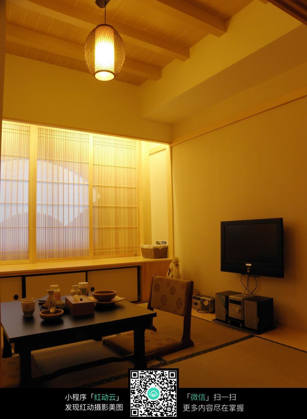 温馨暖色日式室内装修效果图