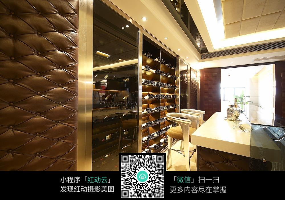 豪华 红酒柜 红酒 椅子 桌子 家居 家具展厅 装修效果图 环境设计