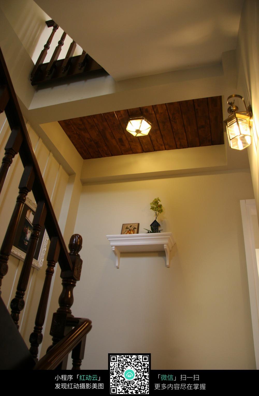 楼梯墙壁装饰