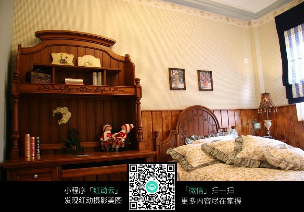木质复古床头装饰柜卧室装修效果图