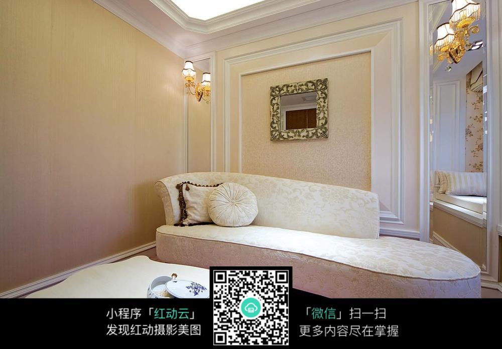 欧式别致的客厅装饰图片