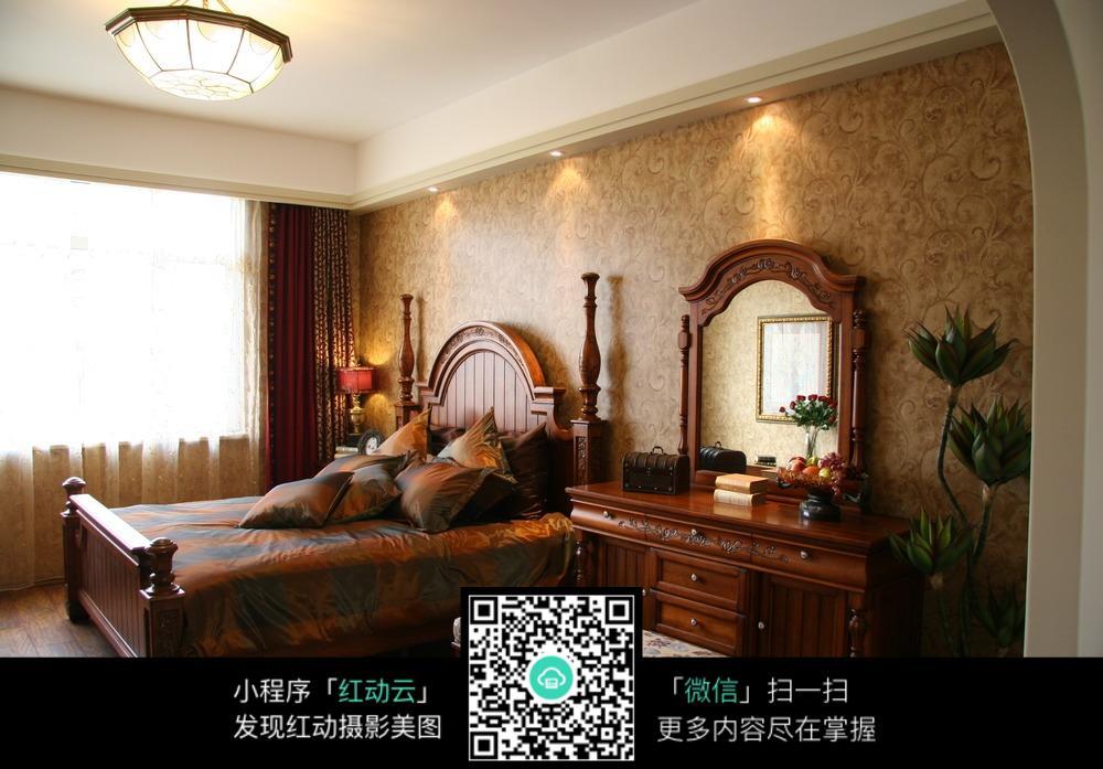 欧式古典卧室床图片