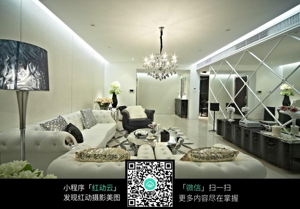 黑白色系的客厅装修效果图