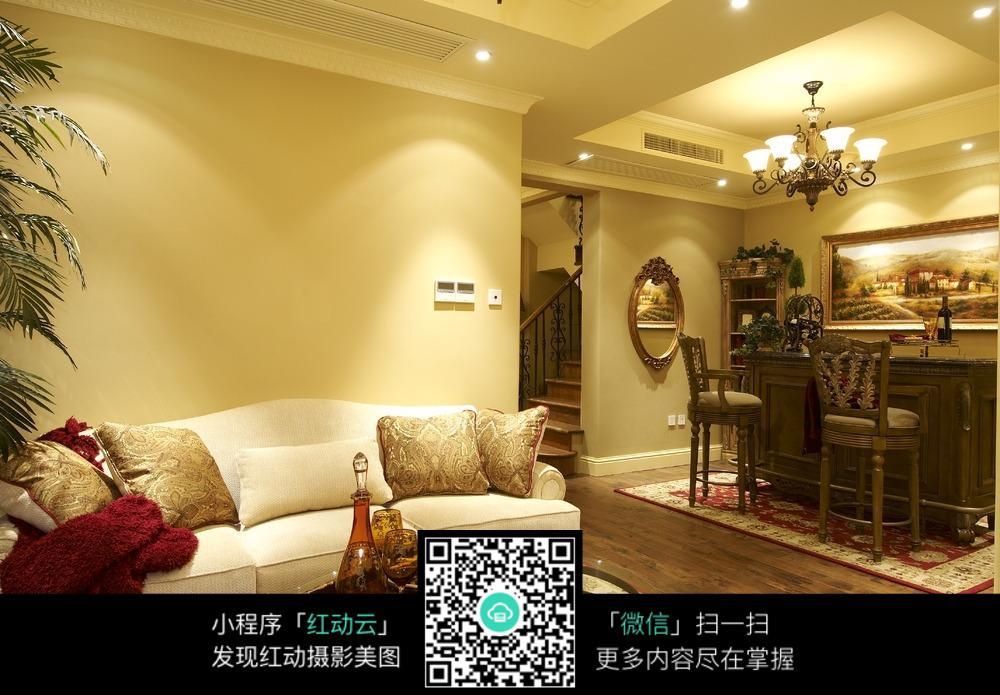 现代风格客厅沙发与吧台设计素材