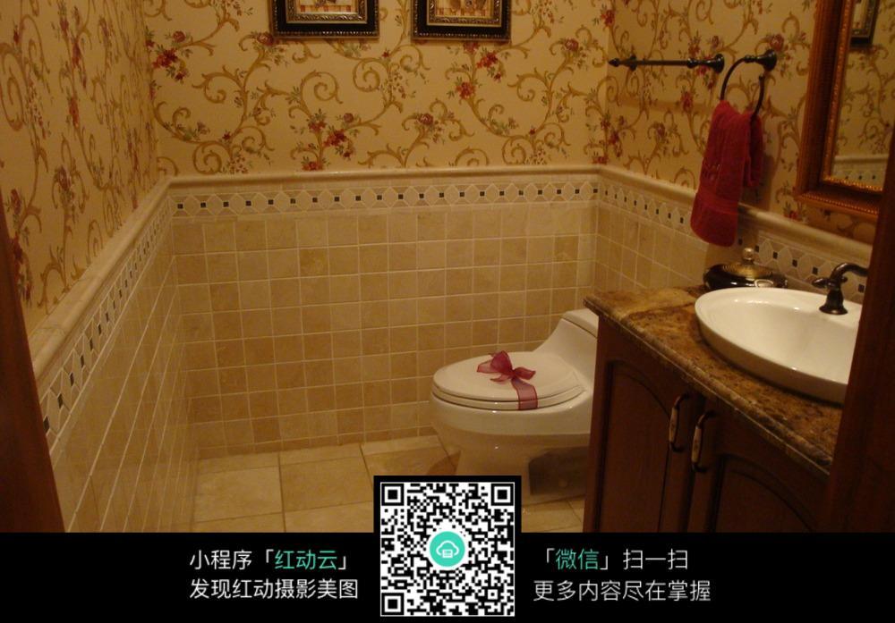 精致复古厕所装修效果图