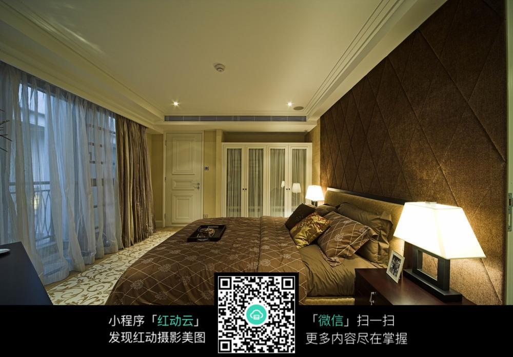 背景墙 房间 家居 酒店 设计 卧室 卧室装修 现代 装修 1000_696