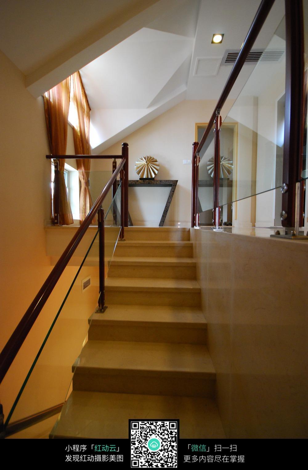 木质楼梯扶手装修设计