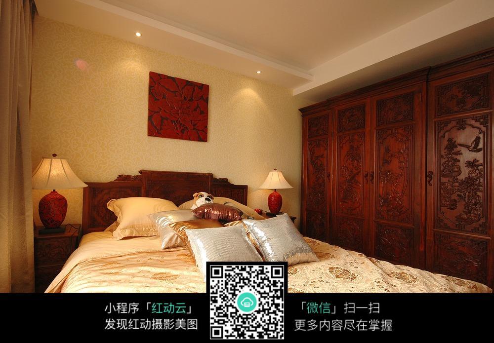 中式传统风格卧室装修设计图片